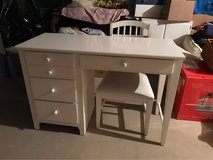 child's desk and chair in Orland Park, Illinois