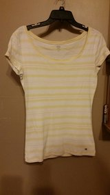 TOMMY HILFIGER Womens Top Sz Small in Fort Leonard Wood, Missouri
