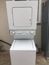 Stack washer and dryer in Oceanside, California