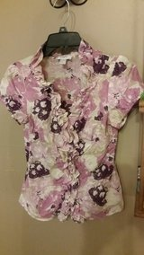 Ann Taylor Loft Top Sz 4 in Fort Leonard Wood, Missouri