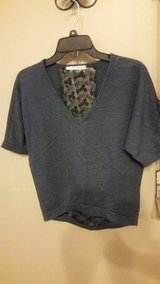 Maurices Cute Size XS Blue V Neck Short Sleeve Blouse in Fort Leonard Wood, Missouri