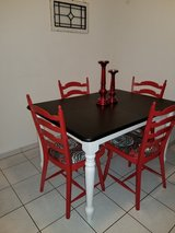 **REDUCED***Vintage pine table, 4 chairs in Ramstein, Germany