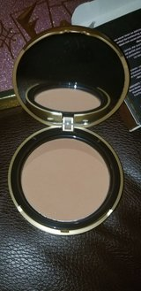too faced bronzer in Yucca Valley, California