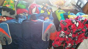 Size 4 -5yrs winter boy clothes lot in 29 Palms, California
