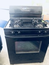 Full Set Stove (Self-Cleaning Oven Included) in Camp Pendleton, California