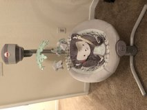 fisher price baby swing in Fort Eustis, Virginia