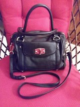 ZIP CLOSE, MULTI COMPART. PURSE in Kingwood, Texas