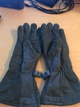 Gore-tex Nomex Gloves in Ramstein, Germany