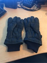 Cold/Wet Weather Gloves in Ramstein, Germany