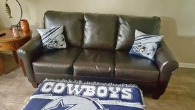 Leather 3pc living room set in Clarksville, Tennessee