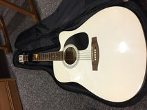 Sherwood Guitar Acoustic with case in Ramstein, Germany