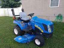 2011 New Holland Boomer 1020 compact tractor 4wd, 3 cyl diesel 260 hrs in Fort Knox, Kentucky