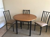 Table 3 Chairs in St. Charles, Illinois