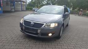 VW PASSAT 2,0 TDI Station Wagon Model 2005 Great Gas Saver! in Ansbach, Germany