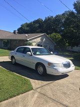 2001 Lincoln Towncar in Fort Benning, Georgia
