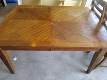 Kitcken table and chairs in Fort Leonard Wood, Missouri