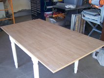 Expandable Dining Table in Alamogordo, New Mexico