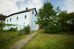 New renovated free standing house with beautiful yard and greek in Brücken in Ramstein, Germany