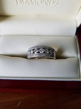Women's Wedding Band in Glendale Heights, Illinois