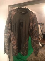 """ACU Combat Shirt """"Army Strong"""" XL in Ramstein, Germany"""