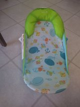 Infant bath seat/lounger in 29 Palms, California