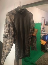 ACU Combat Shirt L in Ramstein, Germany