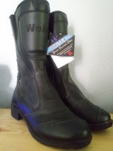 NWT women's size 7 riding boots in Fort Sam Houston, Texas