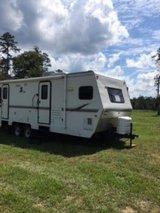 Camper 30' with 2 slide outs in Cleveland, Texas