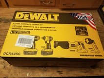 DEWALT DCK425C 18V Compact Cordless 4-Tool Combo Kit in Fort Leavenworth, Kansas