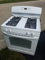 FREE GE GAS STOVE. NEEDS NEW FLAME SENSOR. 7 YEARS OLD. in Oswego, Illinois