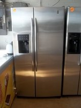 GE PROFILE ARCTICA SIDE BY SIDE REFRIGERATOR in Fort Bragg, North Carolina