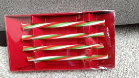 Glass holiday drink stirrers in Naperville, Illinois