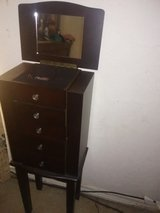 Standing jewelry box in Lawton, Oklahoma