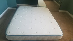 Queen size 10 inch cooling gel bed mattress in Travis AFB, California