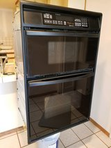 Whirlpool Gold Accubake Systems Oven/Microwave Combo / in Ramona in Camp Pendleton, California