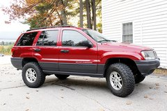 2003 Jeep Grand Cherokee Laredo AWD 4.7 V8 in Brockton, Massachusetts