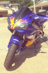 2001 YAMAHA YZF-R1 (CUSTOM) in Beaumont, Texas