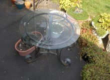 "25"" DIAMETER BEVELED GLASS TOP TABLE in Sugar Grove, Illinois"