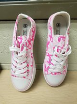 Breast cancer shoes in Fort Polk, Louisiana