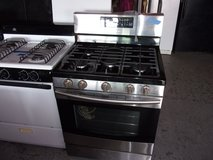 Samsung Gas Stove in Fort Riley, Kansas