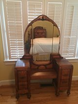 Circa 1930s Antique Bedroom Set in Macon, Georgia