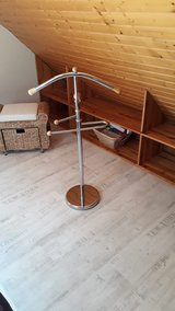 Clothes Butler Valet Stand in bookoo, US