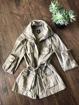 Gap Cargo Style Jacket in Khaki in Fort Campbell, Kentucky