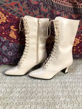 Cream colored Victorian Style Boots,  size 9 in Spring, Texas