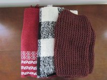 Knit Scarves in Algonquin, Illinois