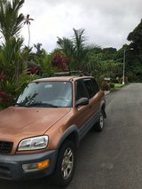 Toyota Rav 4 with roof rack for sale - Oahu in Schofield Barracks, Hawaii