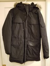north face mcmurdo III size small parka in Schaumburg, Illinois