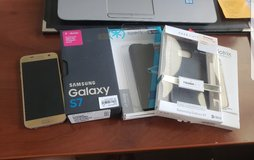 Like New! Samsung Galaxy S7 Gold 32G in Naperville, Illinois