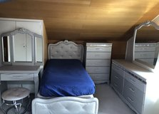 Twin bedroom set for girl in Stuttgart, GE
