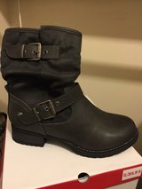 women's fashion boots new still in box in Fort Campbell, Kentucky